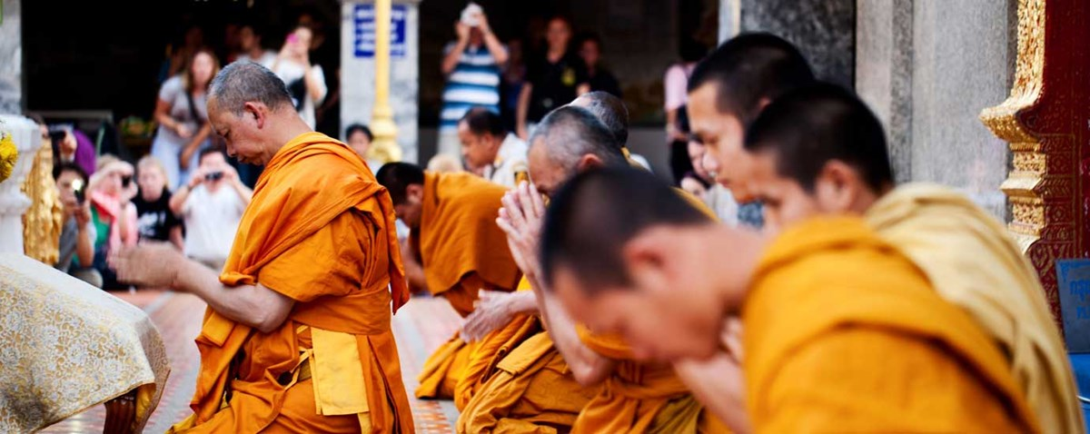 Dos And Donts Of Thai Cultural Etiquette Green Thailand - Thailand religion